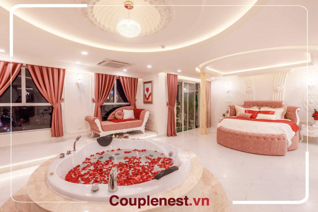Căn hộ tương đương với một căn hộ hai phòng ngủ và một phòng khách thông thường